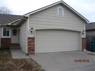 Rose Hill Single Family Home For Sale: 1020 Cedar Point Cir
