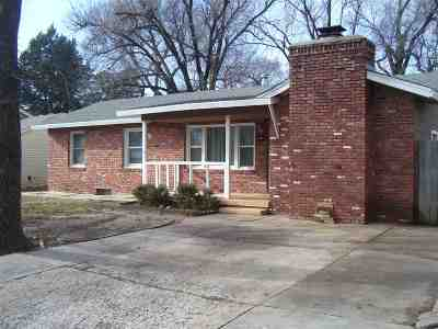 Haysville Single Family Home For Sale: 209 S Sunset Ave