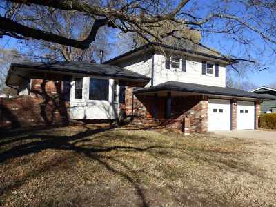 Derby Single Family Home For Sale: 327 N Willow Drive