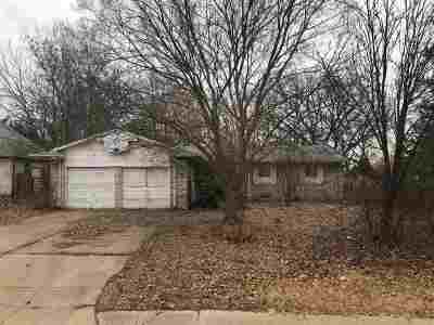 Derby Single Family Home For Sale: 606 N Rockford