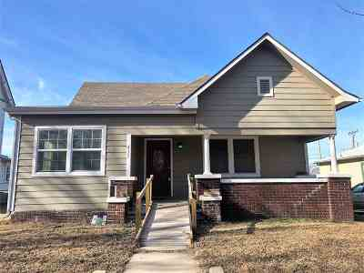 Arkansas City Single Family Home For Sale: 417 N A St
