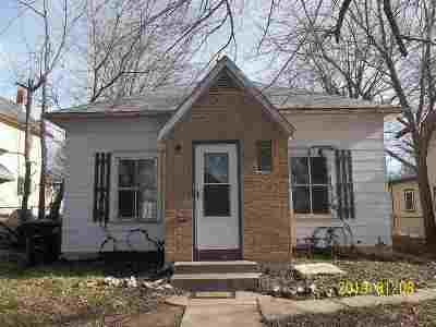 Arkansas City KS Single Family Home For Sale: $25,000