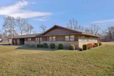 Wichita Single Family Home For Sale: 3252 N Cromwell Dr
