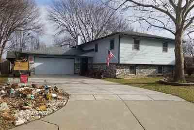 Wichita Single Family Home For Sale: 2114 N Prescott Cir