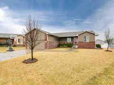 Wichita Single Family Home For Sale: 1413 N Aksarben Ct