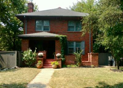 Wichita Single Family Home For Sale: 101 N Belmont Ave