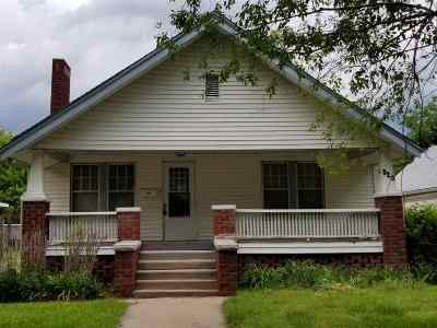 Winfield KS Single Family Home For Sale: $69,900