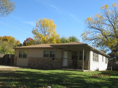 Sedgwick County Single Family Home For Sale: 250 N Gow