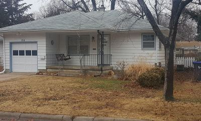 Newton Single Family Home For Sale: 814 W 7th