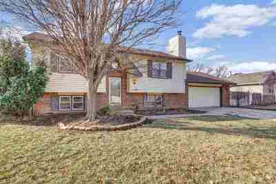 Rose Hill Single Family Home For Sale: 1209 McCaskey Dr