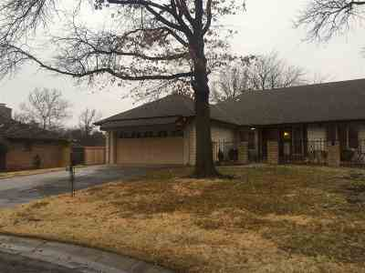 Wichita Single Family Home For Sale: 556 N Broadmoor Ct.
