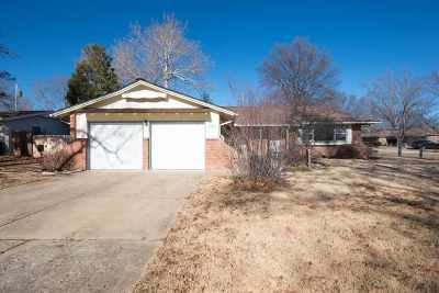 Wichita Single Family Home For Sale: 9100 W Hickory Ln