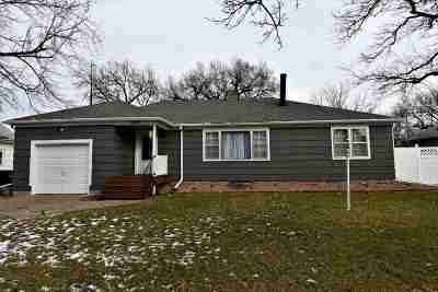 Canton Single Family Home For Sale: 109 N 5th St
