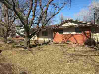 Hesston Single Family Home For Sale: 704 Lewis