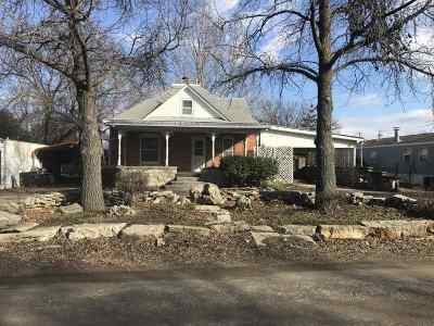 Winfield Single Family Home For Sale: 404 Millington