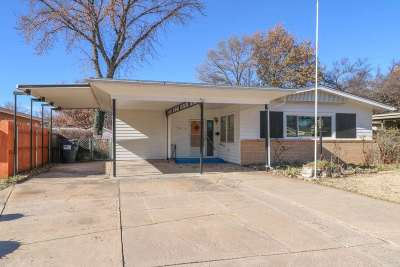 Mulvane Single Family Home For Sale: 703 N Riverdale Dr