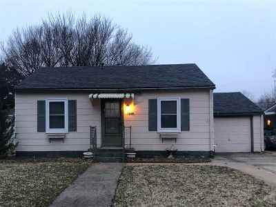 Arkansas City KS Single Family Home For Sale: $34,900