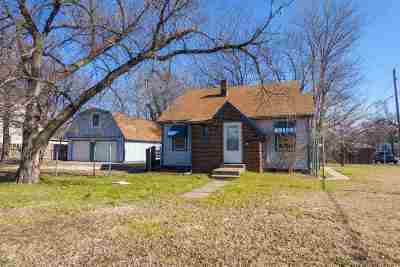 Single Family Home For Auction: 1660 S Mosley Ave