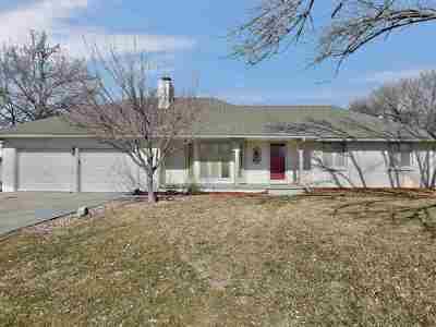 Newton Single Family Home For Sale: 852 Trinity Ct