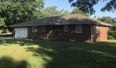 Sedgwick County Single Family Home For Auction: 361 S 1st