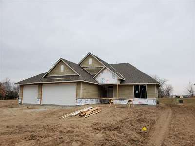 Wichita Single Family Home For Sale: 5467 W 26th Ct N