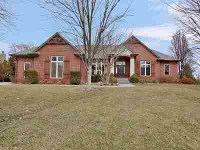 Andover Single Family Home For Sale: 1024 E Lakecrest Dr
