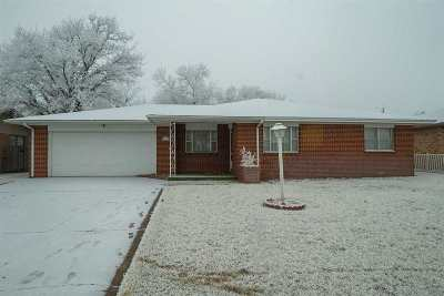 Single Family Home For Auction: 1516 Clay Ct.
