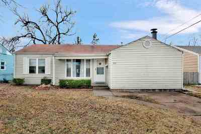 Wichita Single Family Home For Sale: 501 W Carlyle