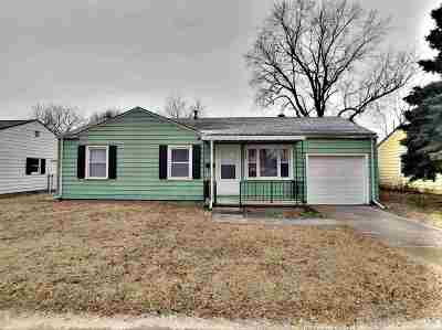 Wichita Single Family Home For Sale: 1221 E Luther St