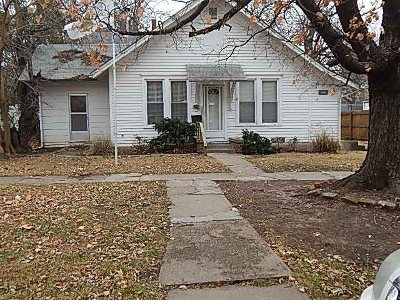 Winfield KS Single Family Home For Sale: $119,000