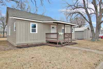 Valley Center Single Family Home For Sale: 222 W Allen St