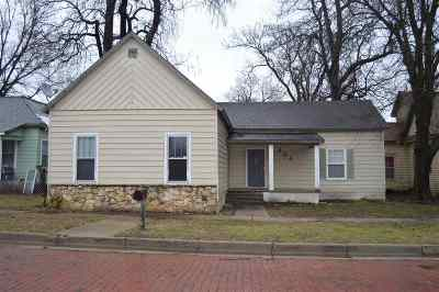 Arkansas City Single Family Home For Sale: 404 N 5th St