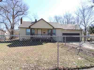 Wichita Single Family Home For Sale: 1122 N Ash