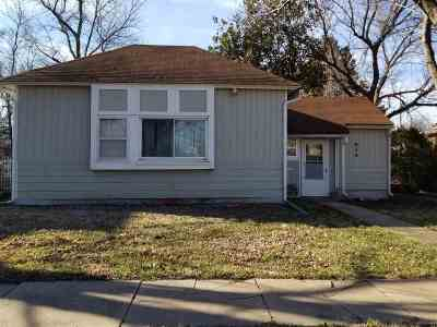 Winfield KS Single Family Home For Sale: $62,500