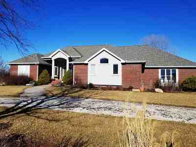 Harvey County Single Family Home For Sale: 1202 E Hickory St