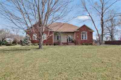 Wichita Single Family Home For Sale: 566 N Lancaster Dr