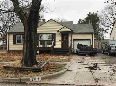 Wichita Single Family Home For Sale: 1707 N Glendale St
