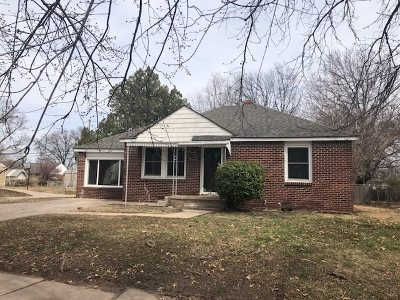 Wichita Single Family Home For Sale: 802 S Christine