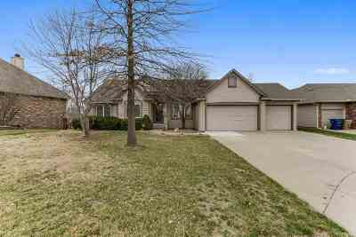 Wichita Single Family Home For Sale: 513 S Sandtrap Ct