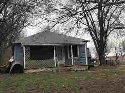 Arkansas City KS Single Family Home For Sale: $19,000