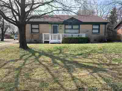 Derby Single Family Home For Sale: 1201 N Woodlawn Blvd