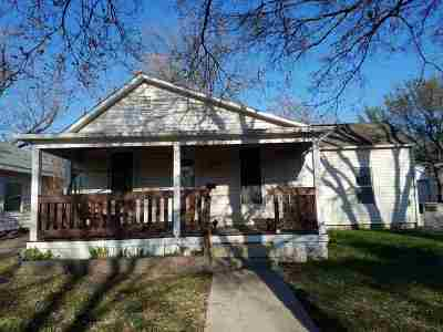 Wellington Single Family Home For Sale: 1209 N C St
