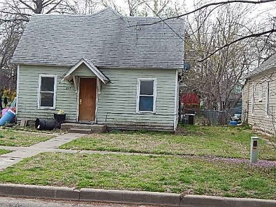 Winfield KS Single Family Home For Sale: $35,000
