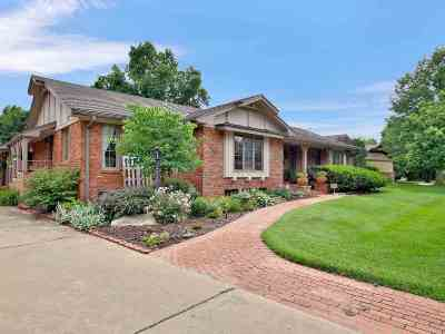 Wichita Single Family Home For Sale: 39 W Rolling Hills Ct