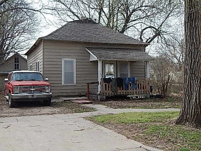 Winfield KS Single Family Home For Sale: $25,000