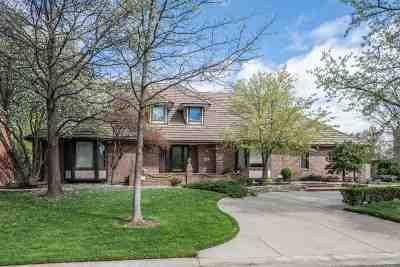 Wichita Single Family Home For Sale: 8810 E Woodcrest Cir