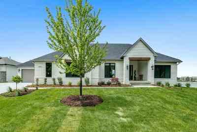Wichita Single Family Home For Sale: 4913 W Wavecrest Cir