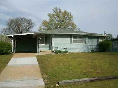 Arkansas City Single Family Home For Sale: 920 N 11th Street