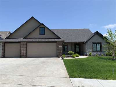Derby Single Family Home For Sale: 1374 Lookout Cir
