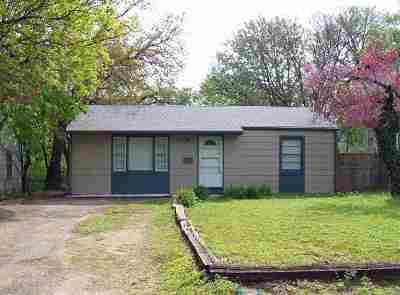 Wichita Single Family Home For Sale: 2322 S Waco Ave